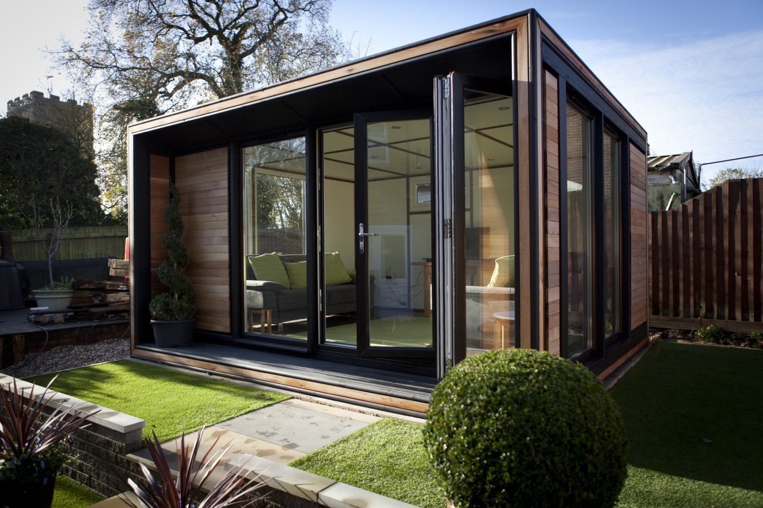Smart garden offices the trio ultra for Garden house office