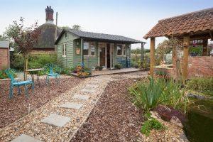 Cheap garden rooms - back garden studios